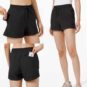 "Lululemon Spring Break Away Short 3"" Black"